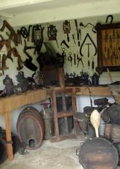 Etnografska zbirka Marije Sušnik (3)
