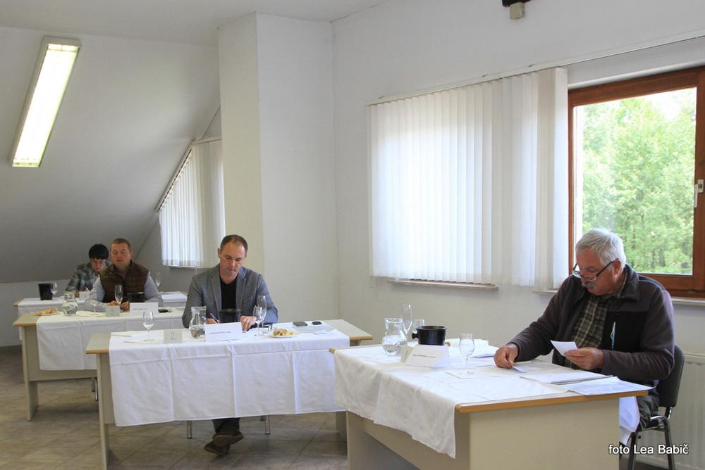 Ocenjevanje-vin-Bizeljsko-2021-1