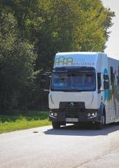 Potujoca-knjiznica-tudi-na-Bizeljskem-2020-1