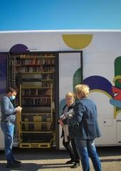 Potujoca-knjiznica-tudi-na-Bizeljskem-2020-12