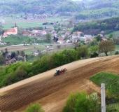 April strojno sajenje vinske trte (14)